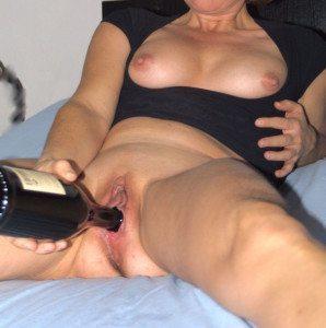 jag knullar en vinflaska