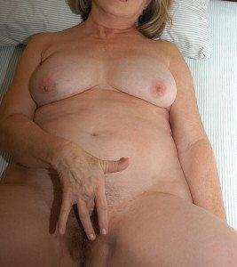 kammar mogen kvinna små bröst i Halmstad