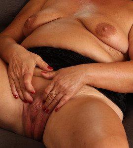 porr äldre kvinnor söker äldre män